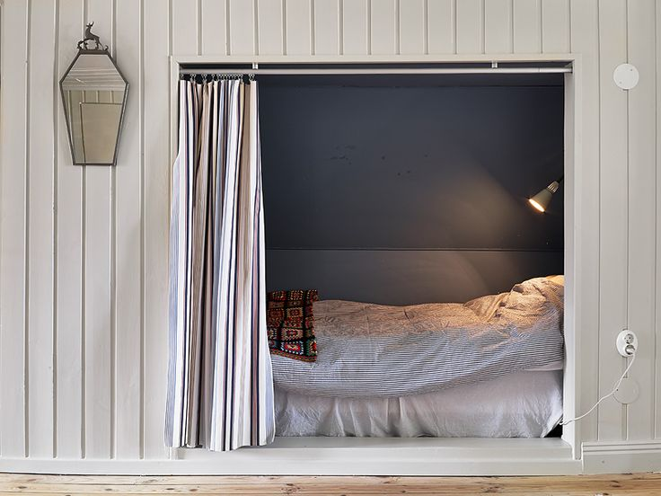 9 Cozy Bed Nooks Alcove Beds Ideas For Small Bedrooms Apartment Therapy
