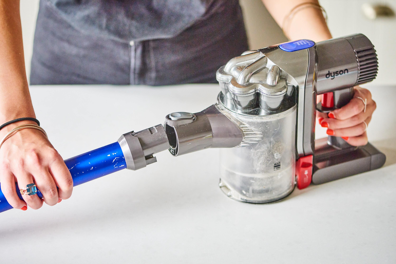 How do you clean a dyson щетка для пылесоса dyson dc45