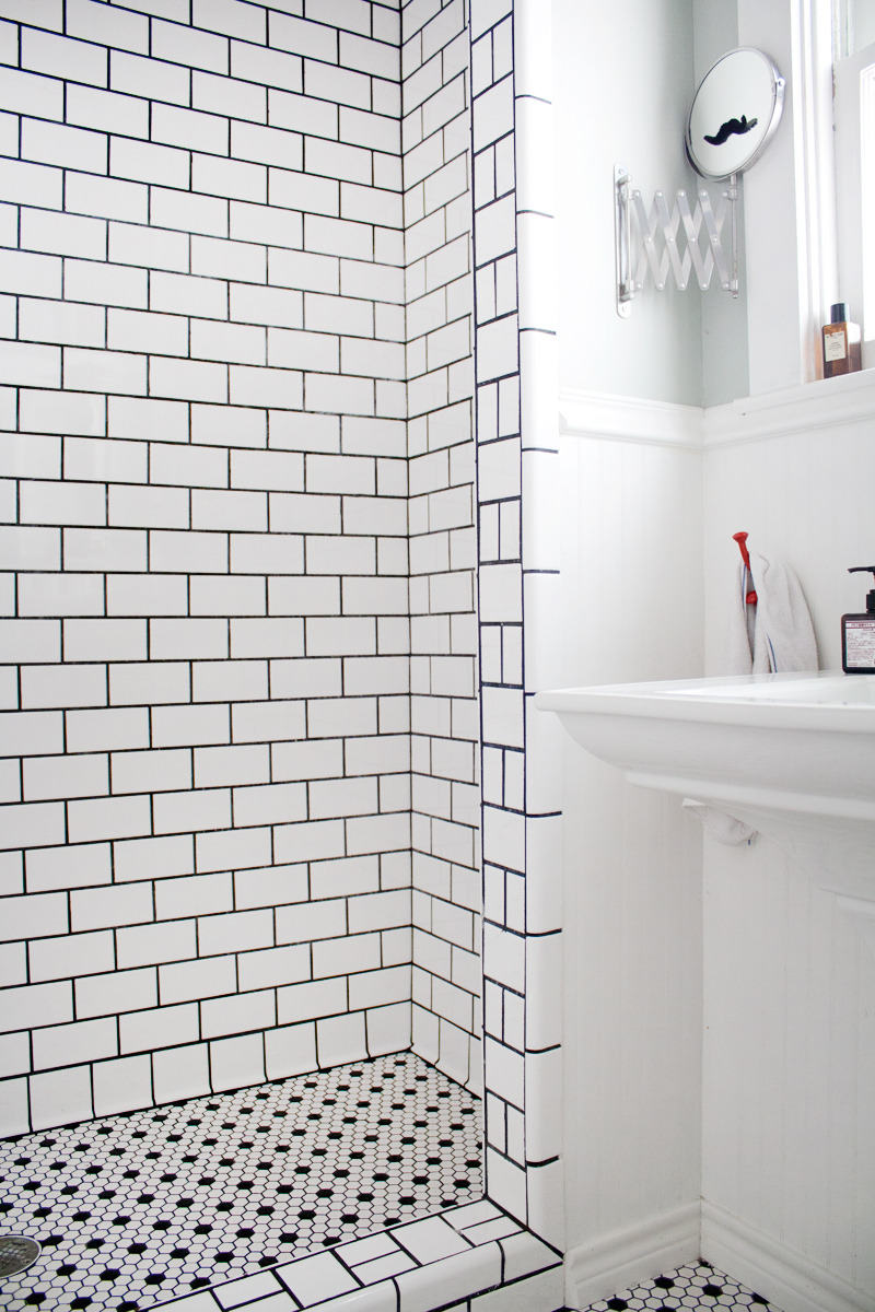 Go Big 15 Fabulously Tiled Bathrooms From Real Life Homes