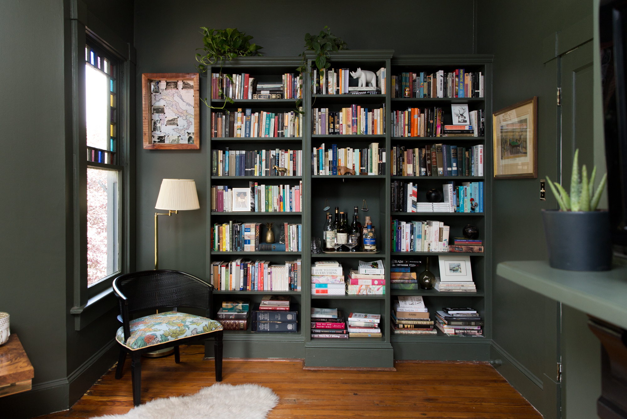 12 Small Living Room Ideas   How to Design & Decorate a Small ...