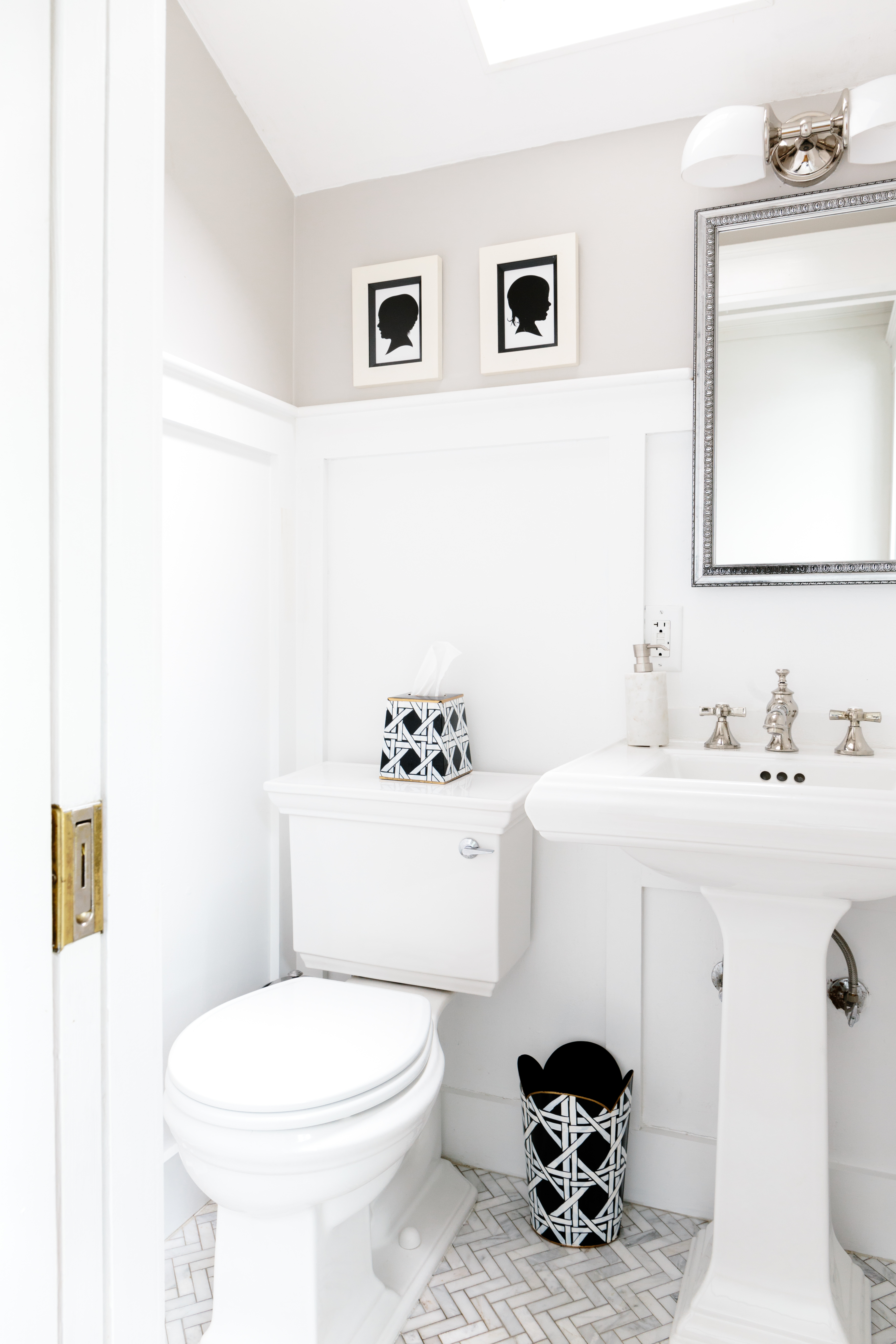 19 Gorgeous Half Bath Ideas How To Decorate A Powder Room Apartment Therapy