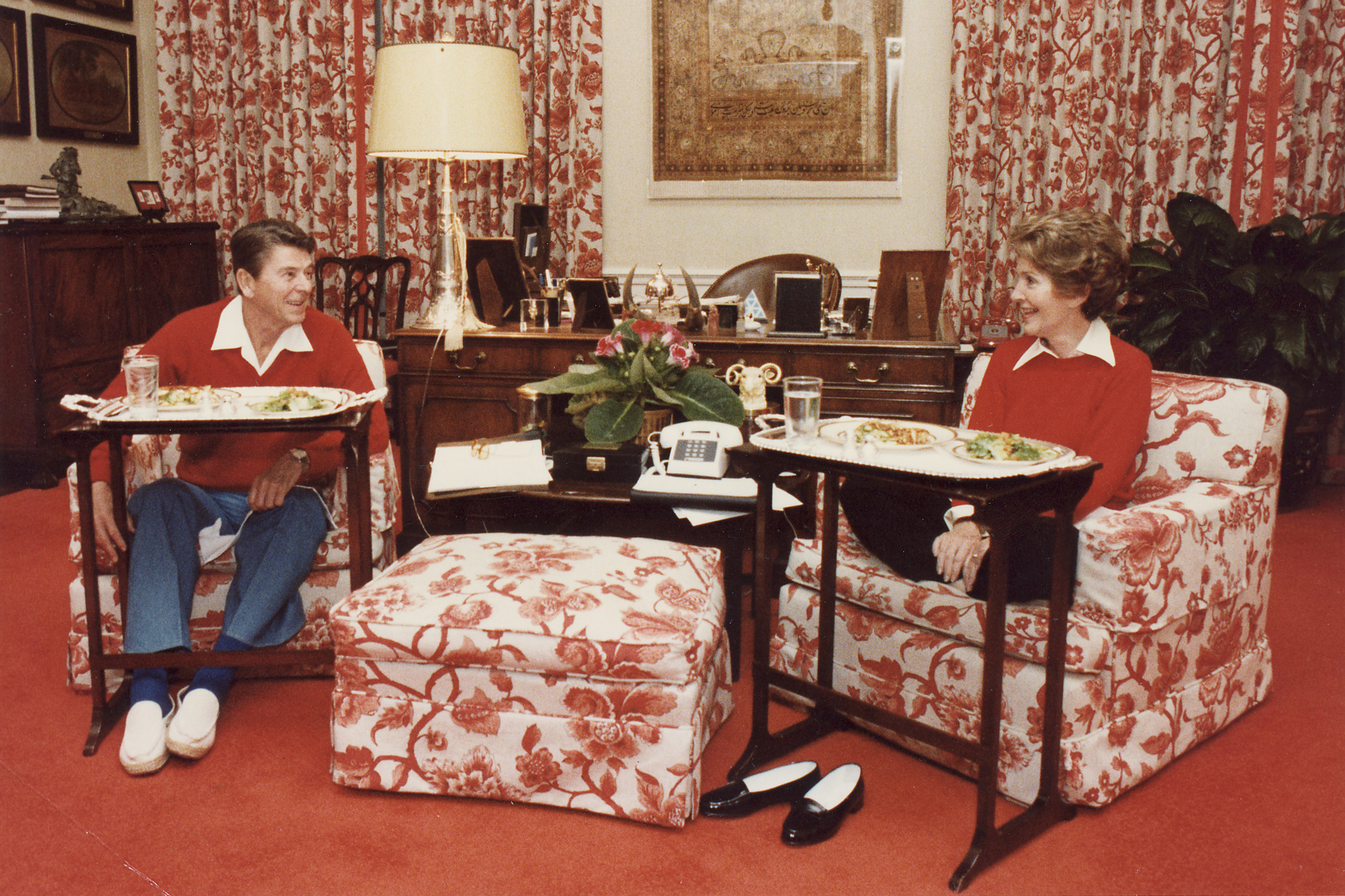 The History Of The Tv Tray Apartment Therapy