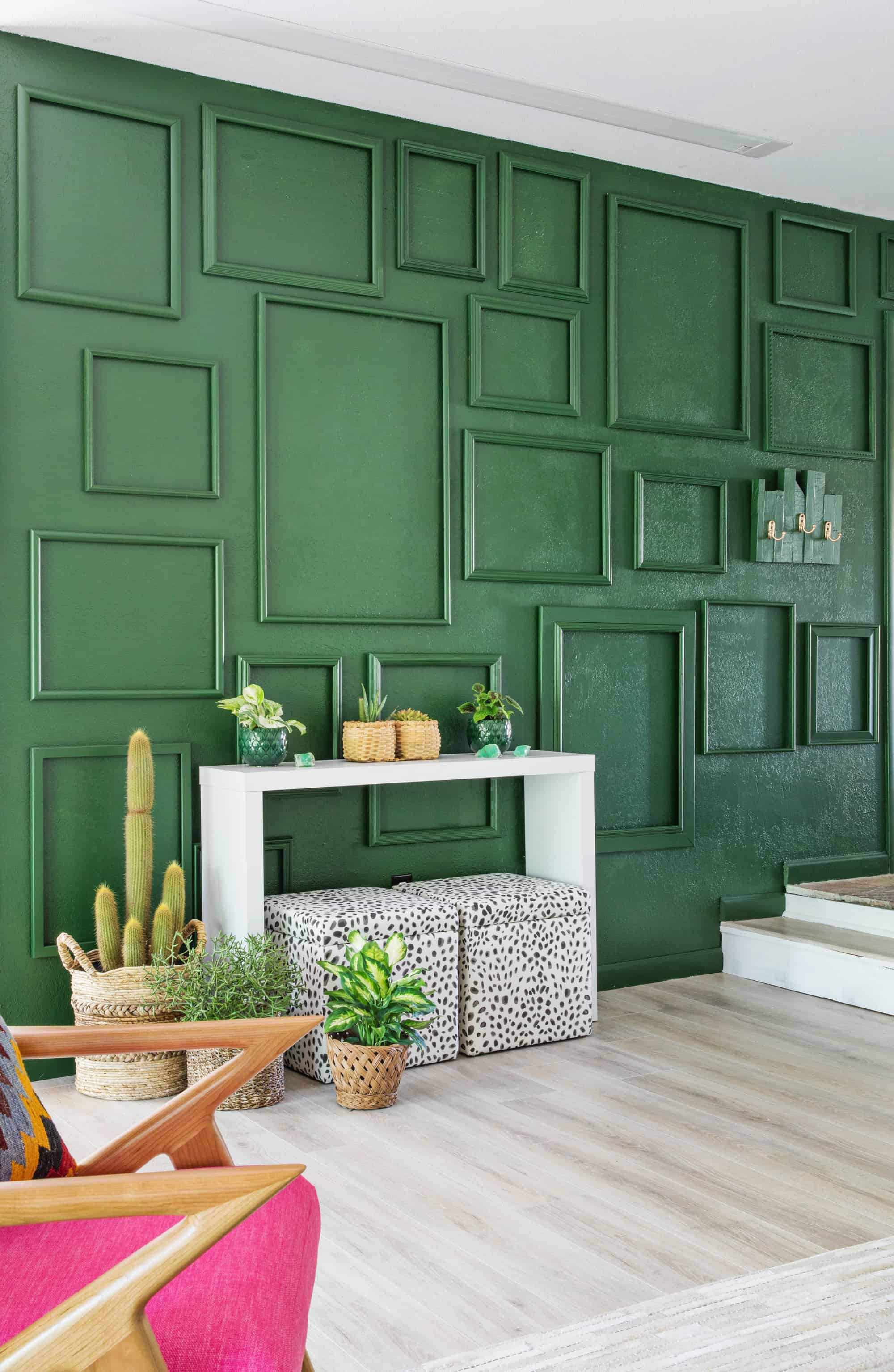 The 20 Best Green Living Room Ideas We Ve Ever Seen Stylish Green Living Rooms Apartment Therapy