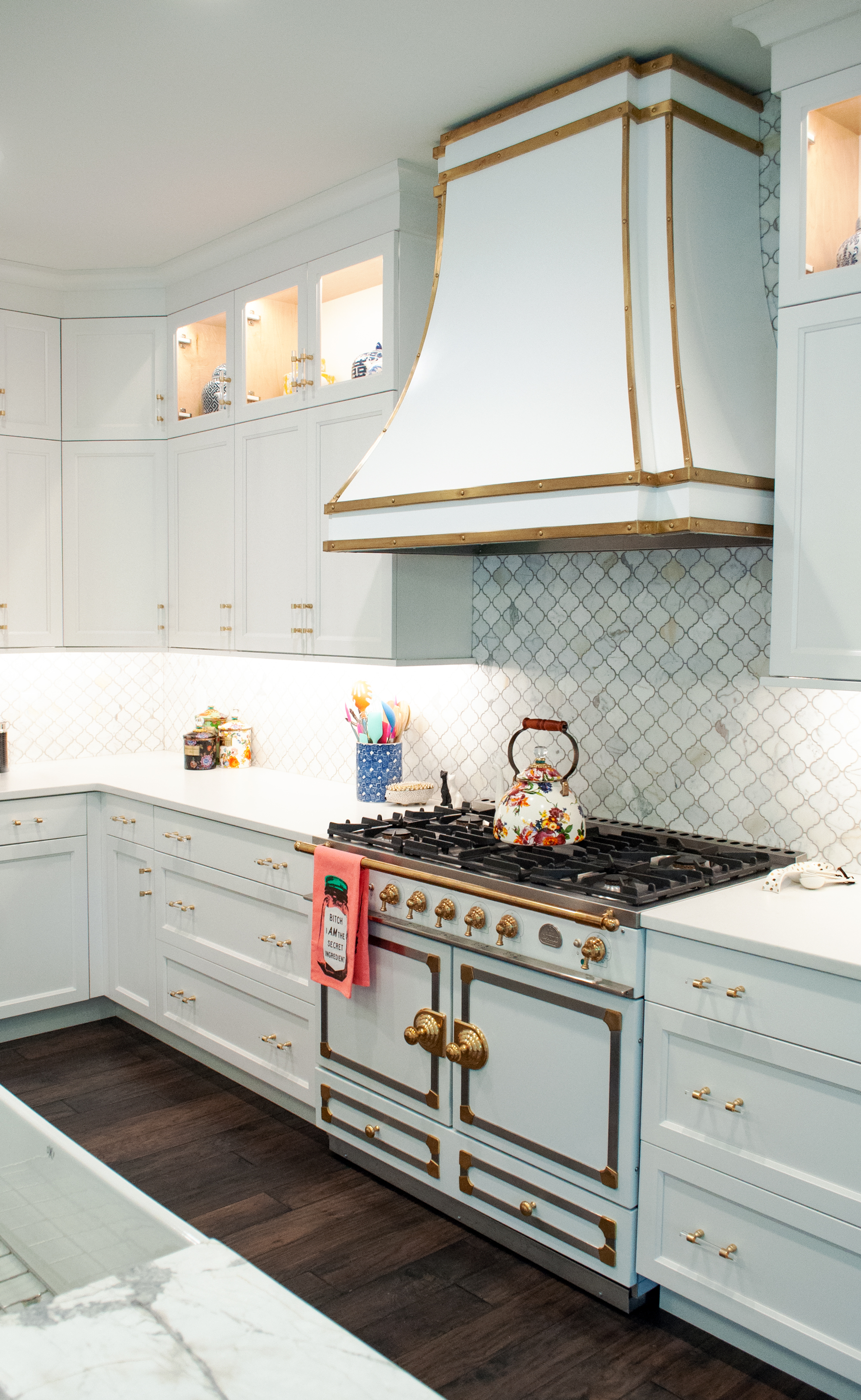 9 Corner Kitchen Cabinet Ideas   How to Maximize a Kitchen Corner ...