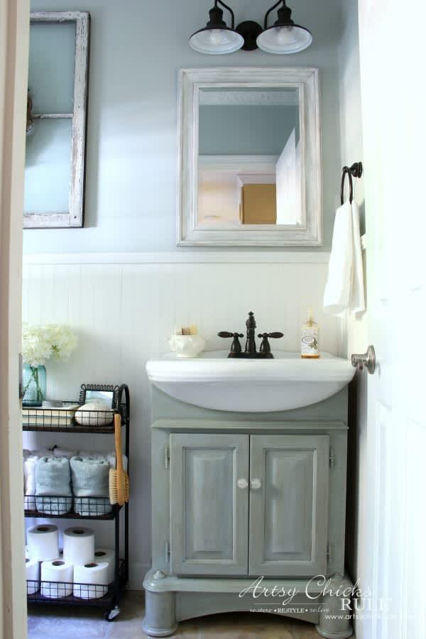 The Best Farmhouse Bathroom Decor Farmhouse Bathroom Decor Ideas Apartment Therapy