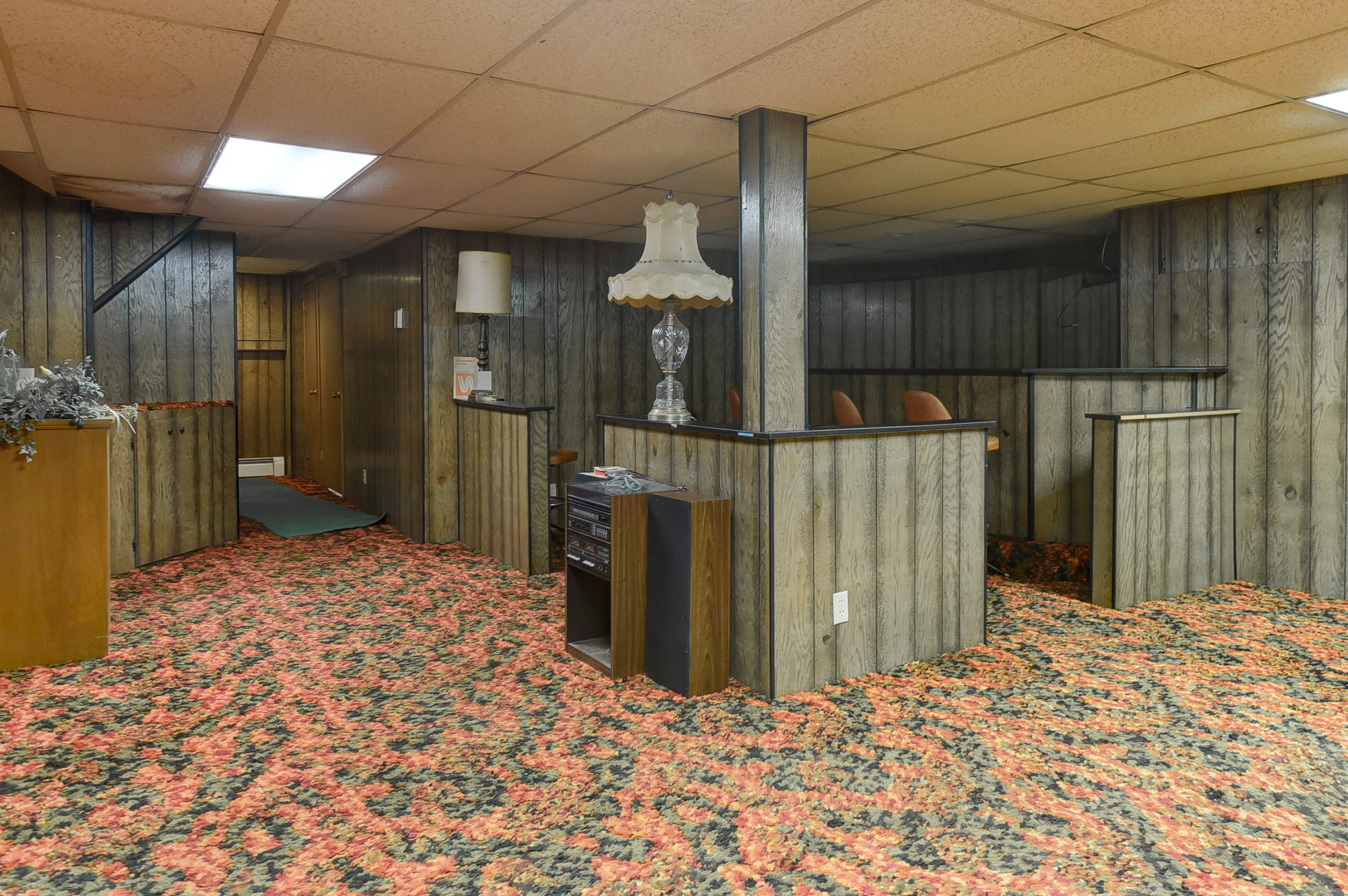 Don T You Dare Think About Renovating This Perfect 70s Basement In Nebraska Apartment Therapy