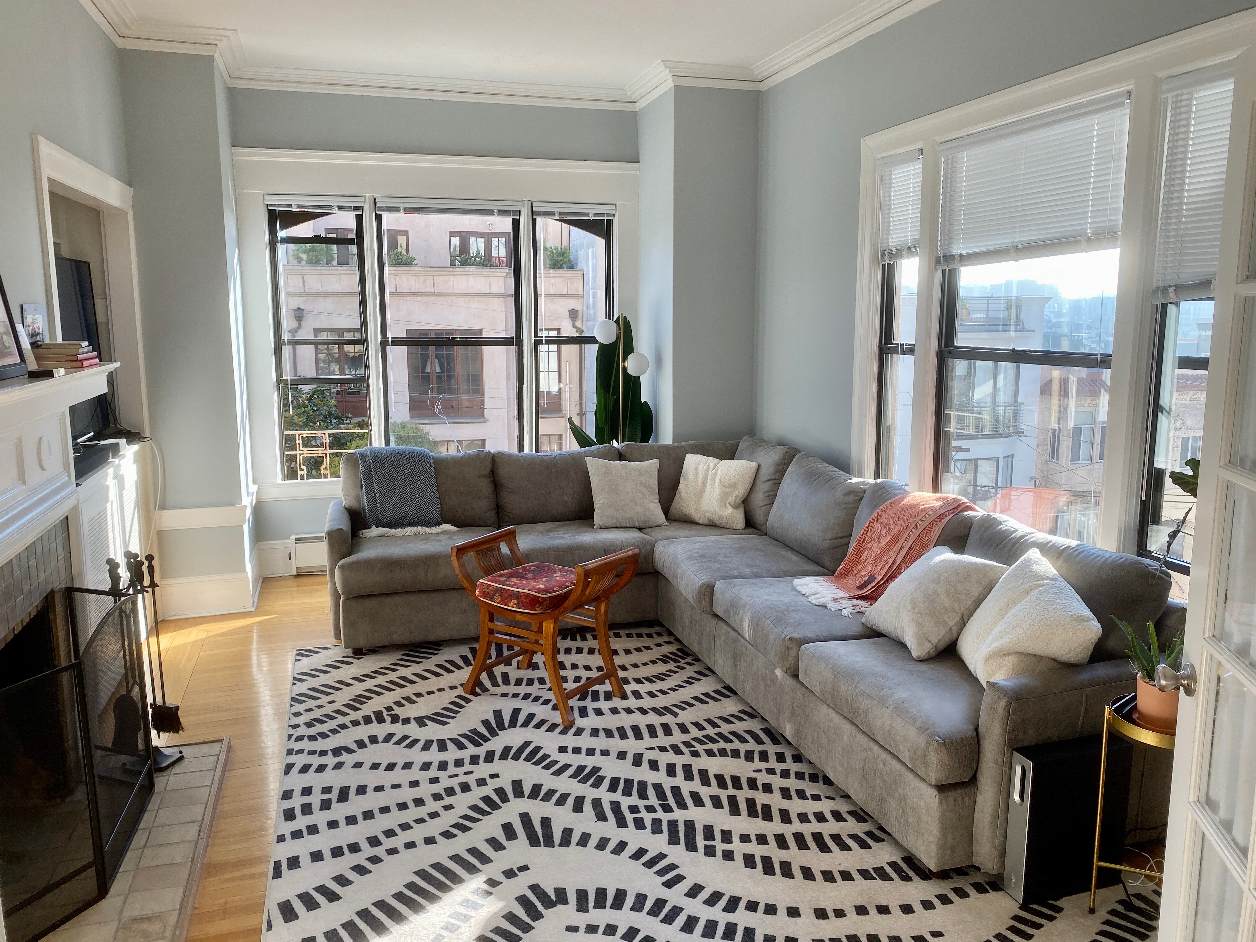 How To Decorate A Living Room Without A Coffee Table Apartment Therapy