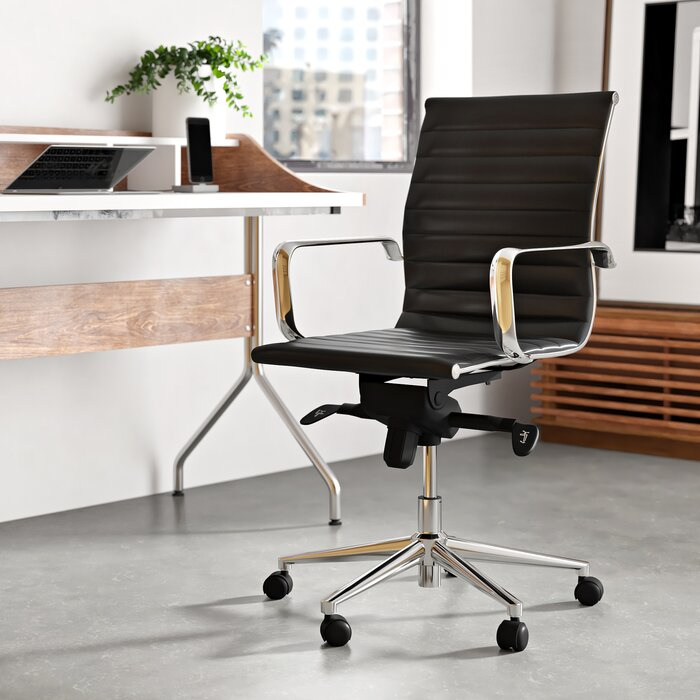 15 Comfortable Stylish Office Chairs For Work From Home Desks Apartment Therapy