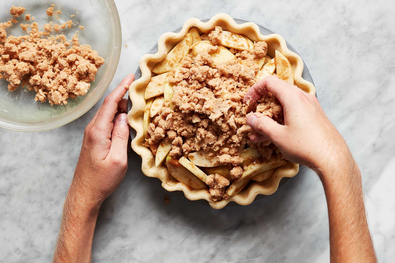 How to Make a Classic Dutch Apple Pie
