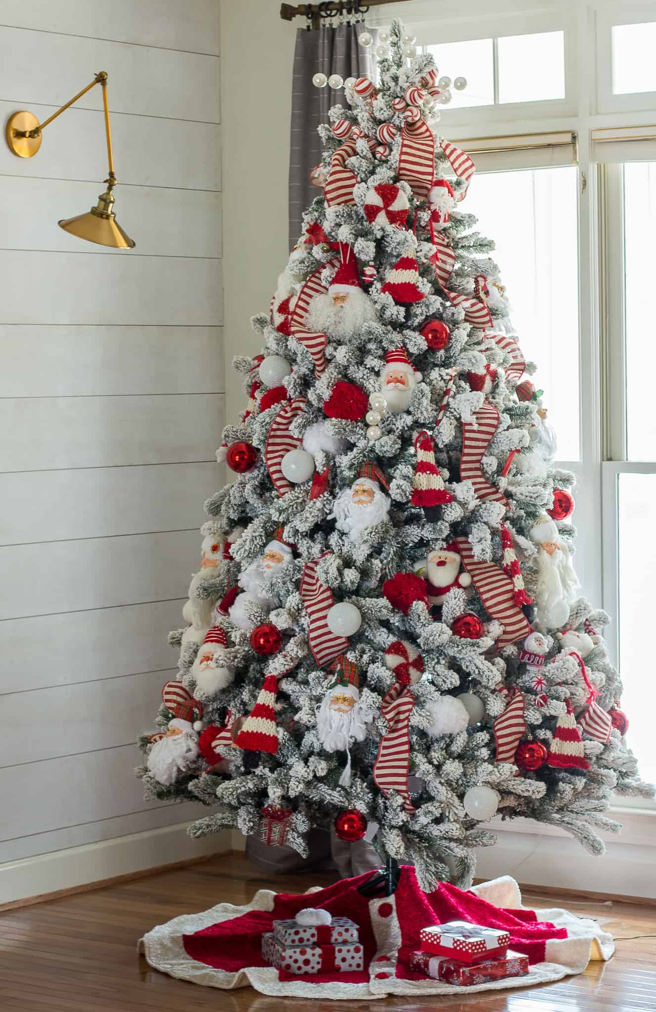 The Best Theme Christmas Tree Ideas To Take Your Decor Up A Notch This Holiday Apartment Therapy