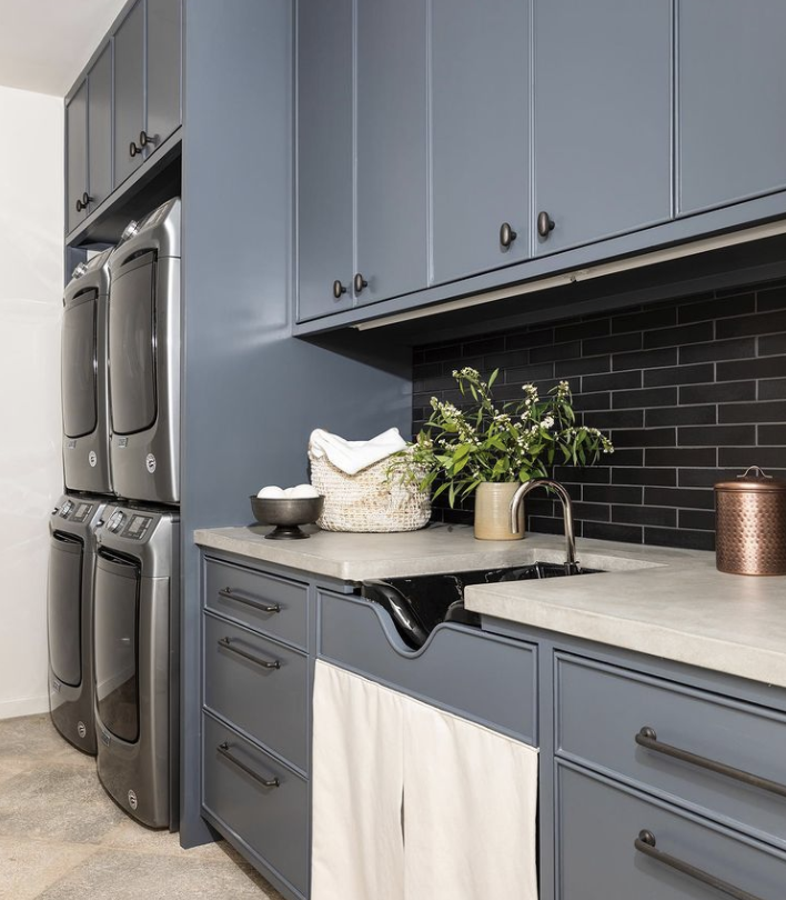 Skirted Sinks Are Back For The Kitchen Bathroom And Beyond Apartment Therapy